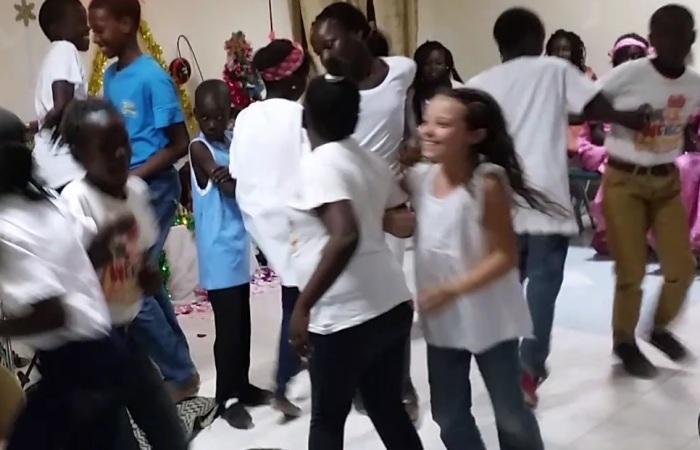 christmasdance1